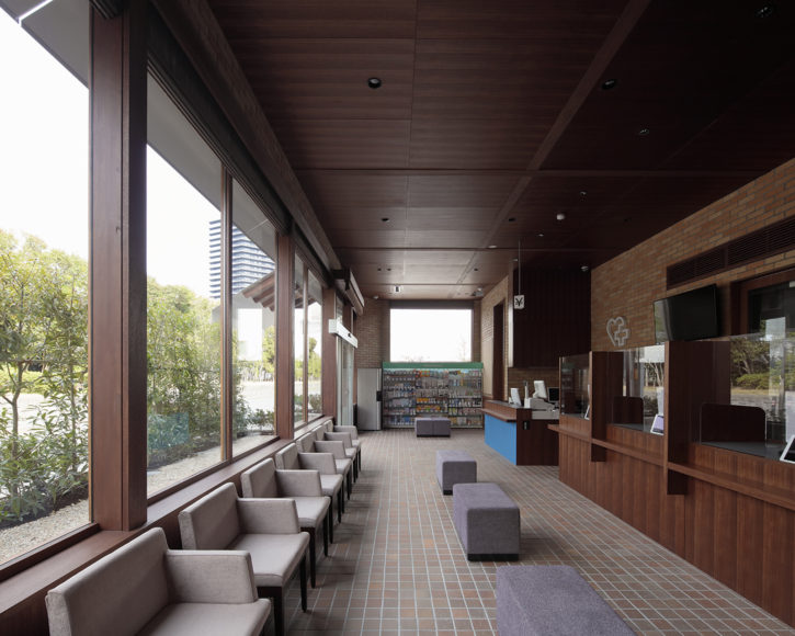 大賀薬局 九州医療センター前店